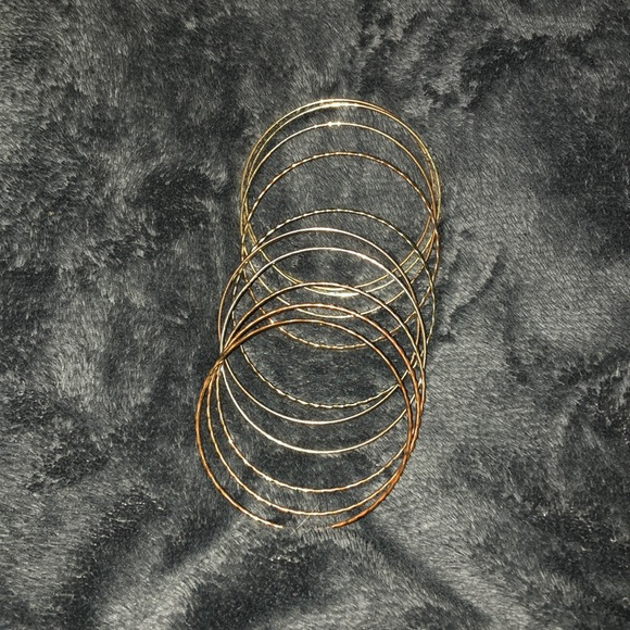 Jewelry - Golden ring bracelets